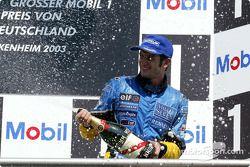 Podio: champagne para el tercer lugar Jarno Trulli