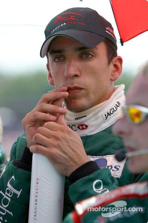 Justin Wilson on the starting grid