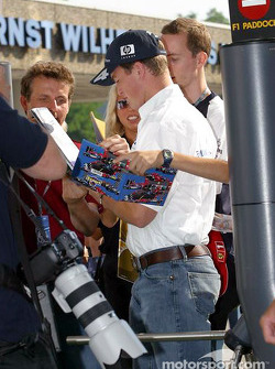 Ralf Schumacher arrives, track