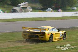 la Saleen S7R n°2 de l'équipe Konrad Motorsport pilotée par Franz Konrad, Mark Neuhaus en difficulté