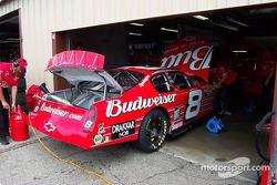 Dale Ernhardt Jr.'s car being serviced
