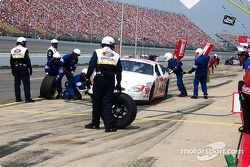 Pitstop for Jason Schuler