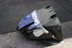 Nose cone of the wrecked #20 Dyson Racing Team Lola EX257/AER MG