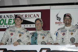 Deuxième place GTS : Gunnar Jeanette, Paul Newman et Kyle Petty