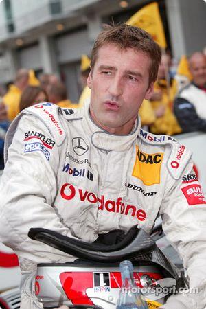 Bernd Schneider, Team HWA, AMG-Mercedes CLK-DTM 2003 in der Startaufstellung