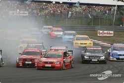 Start: Martin Tomczyk, Abt Sportsline, Abt-Audi TT-R mit Peter Dumbreck, OPC Team Phoenix, Opel Astr