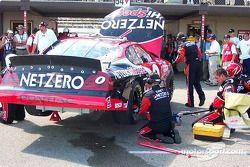 Jason Leffler's car behind the wall: axle change