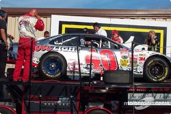 Post-race dyno check for Sterling Marlin's car