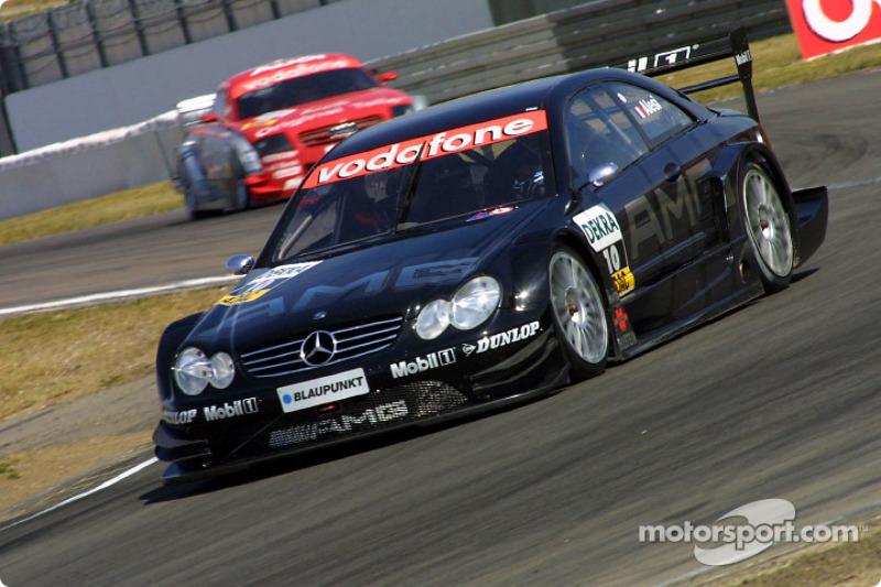 2003 год: девять побед в десяти гонках для Mercedes. Две их них принадлежат Жану Алези. Очередной титул для Шнайдера и Mercedes
