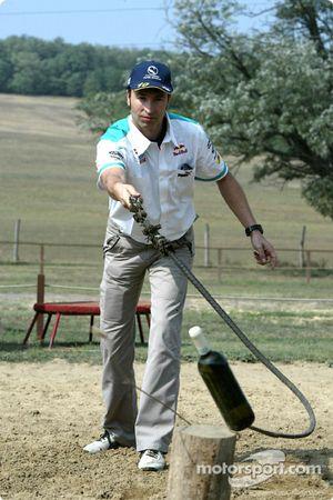 L'équipe Sauber visite un parc équestre hongrois typique : Heinz-Harald Frentzen