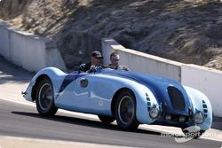 Bugatti dans un tour d'honneur