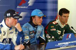 basın toplantısı: Pole: Kazanan Fernando Alonso ve Ralf Schumacher ve Mark Webber