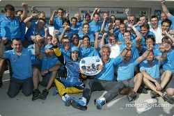 Fernando Alonso, Flavio Briatore and Renault F1 team members celebrate