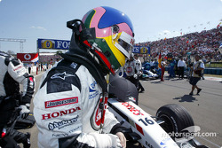 Jacques Villeneuve en la parilla de salida