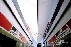 BAR-Honda paddock área