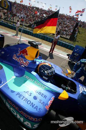 Heinz-Harald Frentzen on starting grid