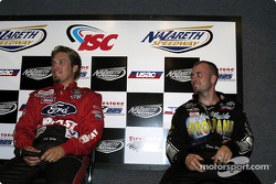 J.J. Yeley et Dave Steele