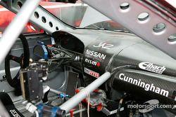 Le cockpit de Peter Cunningham en fibre de carbone dans sa #1 TeamRTR Nissan Sentra SE-R