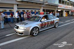 Martin Tomczyk, Abt Sportsline Juniorteam, Abt-Audi TT-R 2002 im Audi RS6 Safetycar