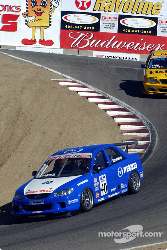 Jeff Altenburg, vainqueur en Speed Touring Car, devance Bill Auberlen
