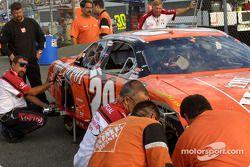 Tony Stewart in pre race inspection