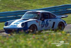 La #06 Porsche 911RSR de 1975, détenue par Skott Burkland