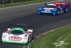 La #6 Porsche 962C de 1988, détenue par Aaron Hsu, devance la #83 Nissan R90c de 1990, détenue par Jim Oppenheimer