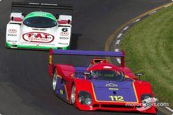 La #112 Spice Chevrolet de 1992, détenue par Jim Mullen, devance la #6 Porsche 962C de 1998, détenue par Aaron Hsu