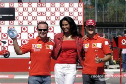 Vodafone scooter cup: Rubens Barrichello, Megan Gale ve Michael Schumacher