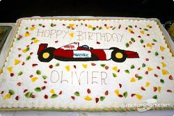 Le gâteau d'anniversaire d'Olivier Panis