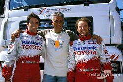 Ricardo Zonta et Cristiano da Matta en compagnie de Max Pisu