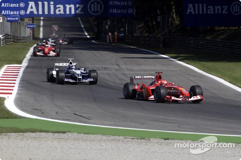 Michael Schumacher lidera a Juan Pablo Montoya