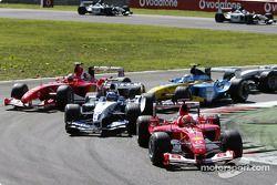 Primera chicane: Michael Schumacher lidera a Juan Pablo Montoya