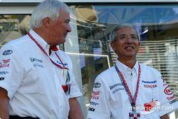 Ove Andersson ve Akihiko Saito, EVP Toyota Motor Corporation