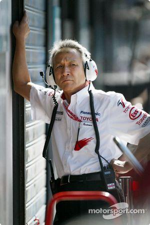 Presidente de Toyota Tsutomu Tomita