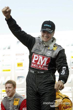 Timo Scheider viert pole position