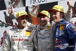 Podium: racewinnaar Christijan Albers met Bernd Schneider en Mattias Ekström