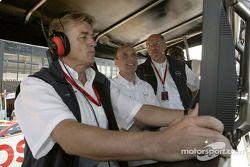 OPC Team Holzer Gunther Holzer; Volker Strycek, Opel Sportchef und Berndt Wiesenhütter