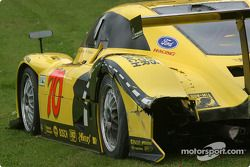 Des dégâts sur la #70 SpeedSource Ford Multimatic de Sylvain Tremblay, Selby Wellman et Paul Mears J