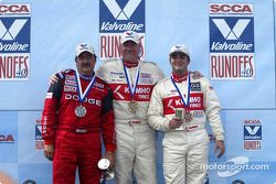 Podium : Mike Kramer, vainqueur, avec John Fernandez et Tom Long