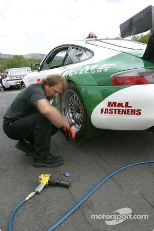Arrêt au stand chez Acme Motorsport