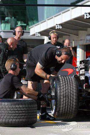 Práctica de pits en McLaren