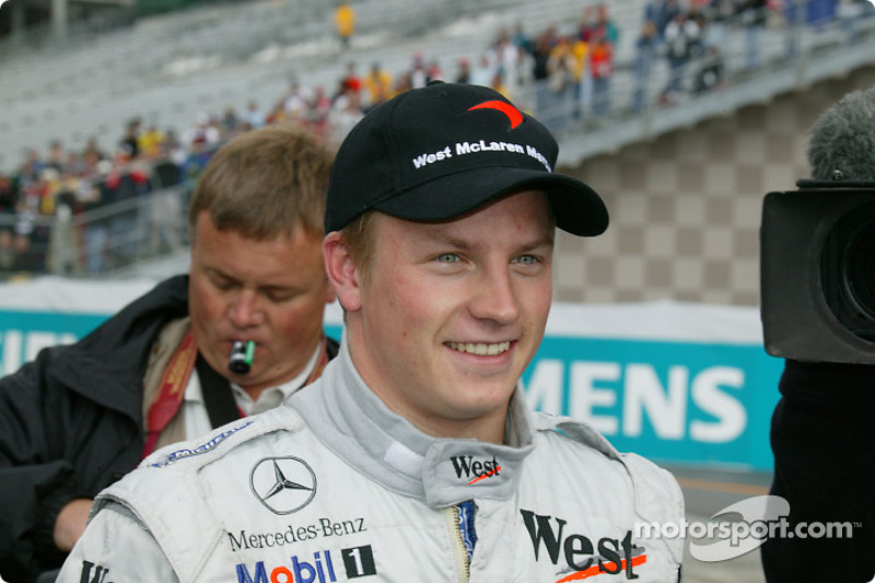 Из героев наших дней в пелотоне был только Кими Райкконен – в ту пору совсем юный, но уже одержавший первую победу за рулем McLaren