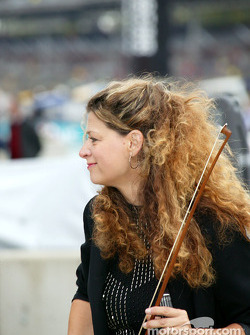 Violonist ready for National Anthem