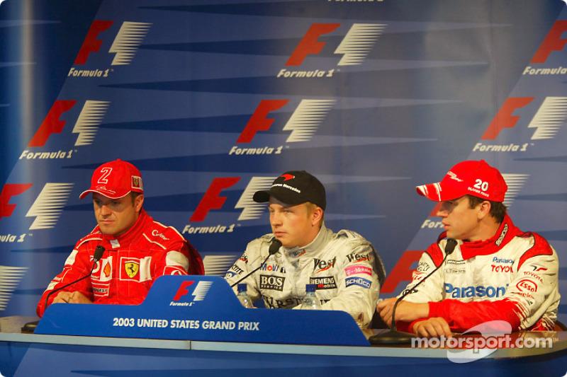 Conferencia de prensa: ganador de la pole Kimi Raikkonen con Rubens Barrichello y Olivier Panis
