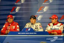 Conférence de presse : Kimi Räikkönen, poleman, avec Rubens Barrichello et Olivier Panis