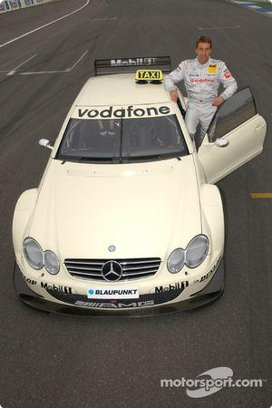 Bernd Schneider pilote le taxi de course AMG-Mercedes CLK