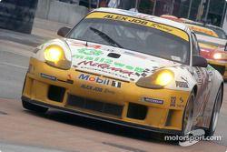 #24 Alex Job Racing Porsche 911 GT3RS: Timo Bernhard, Jorg Bergmeister
