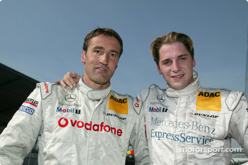 Die beiden DTM-Titelkandidaten 2003: Bernd Schneider, Team HWA, AMG-Mercedes CLK-DTM 2003; Christija