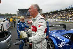 Franz Beckenbauer essaie le taxi de course Abt-Audi TTR